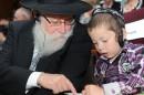 Rabino Rosenberg y su nieto Moshe.
