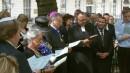 La congregación leyendo salmos.