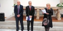 Alcalde de Zadar, Zvonimir Vrancic; embajador de Israel en Croacia, Yosef Amrani y Renata Peros, Directora del Museo Nacional de Zadar.